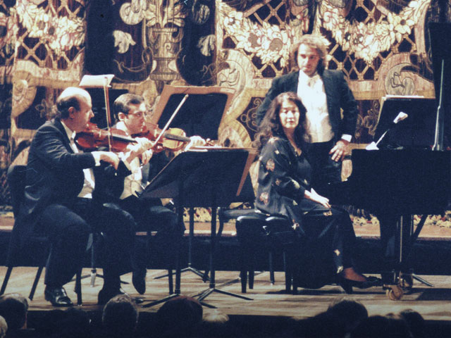 Camerata Bariloche with Martha Argerich and Mercedes Sosa